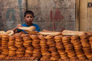 Bread_shop_in_the_street